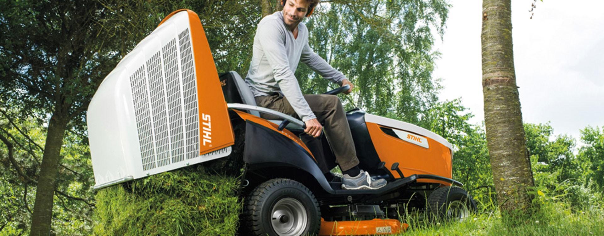 Tondre votre pelouse est devenu laborieux ? Pensez aux tondeuses autoportées !